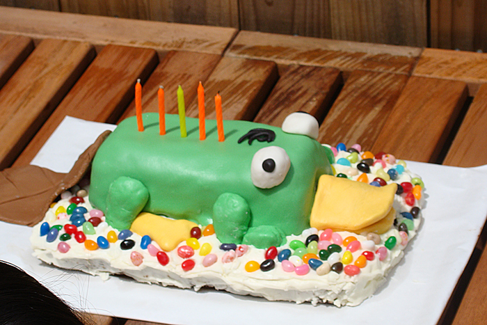 perry-the-platypus-cake.jpg