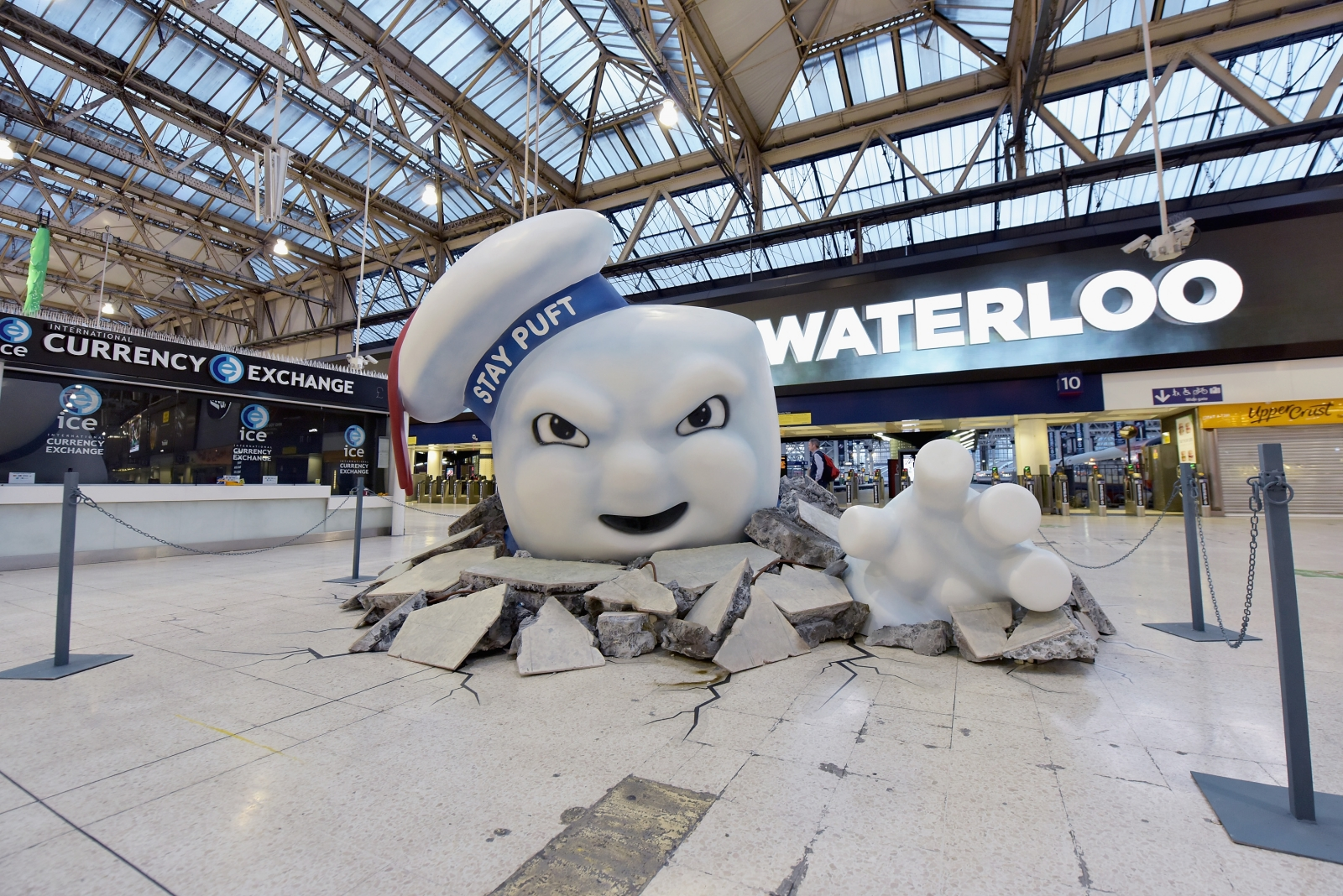 ghostbusters-take-over-london-waterloo-s