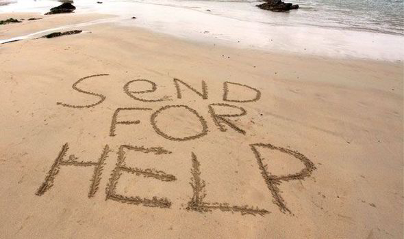 message-in-sand-help-stra-417291.jpg